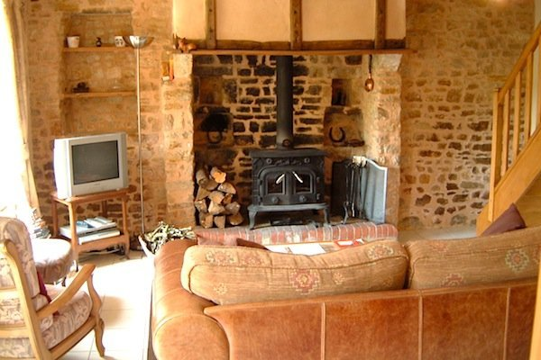 Living rooom looking to hearth