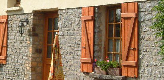 shutters gite La Bucaille